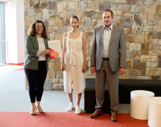 Engineering student at the University of Erlangen-Nuremberg receives SEMIKRON award for the promotion of women