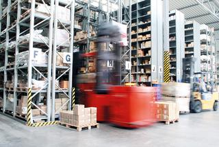 Forklift with electric drive and lifting action